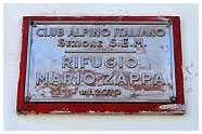 Il rifugio Zamboni-Zappa / Foto © Emanuele Pagani